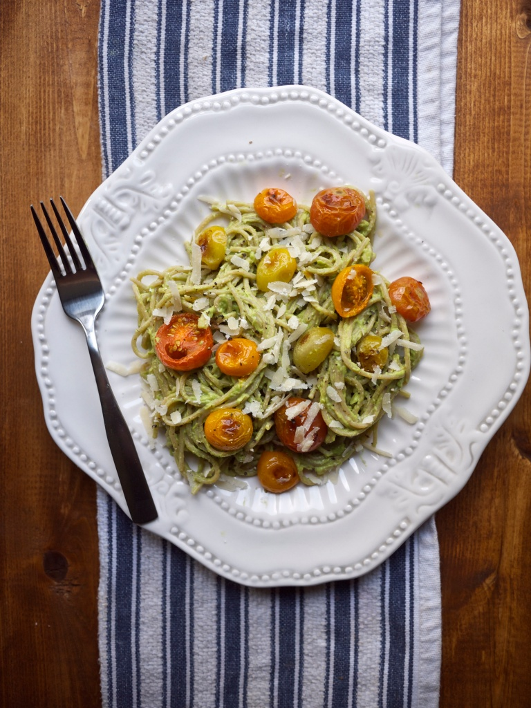 Kiwi and Peach: Avocado Pasta with Roasted Tomatoes