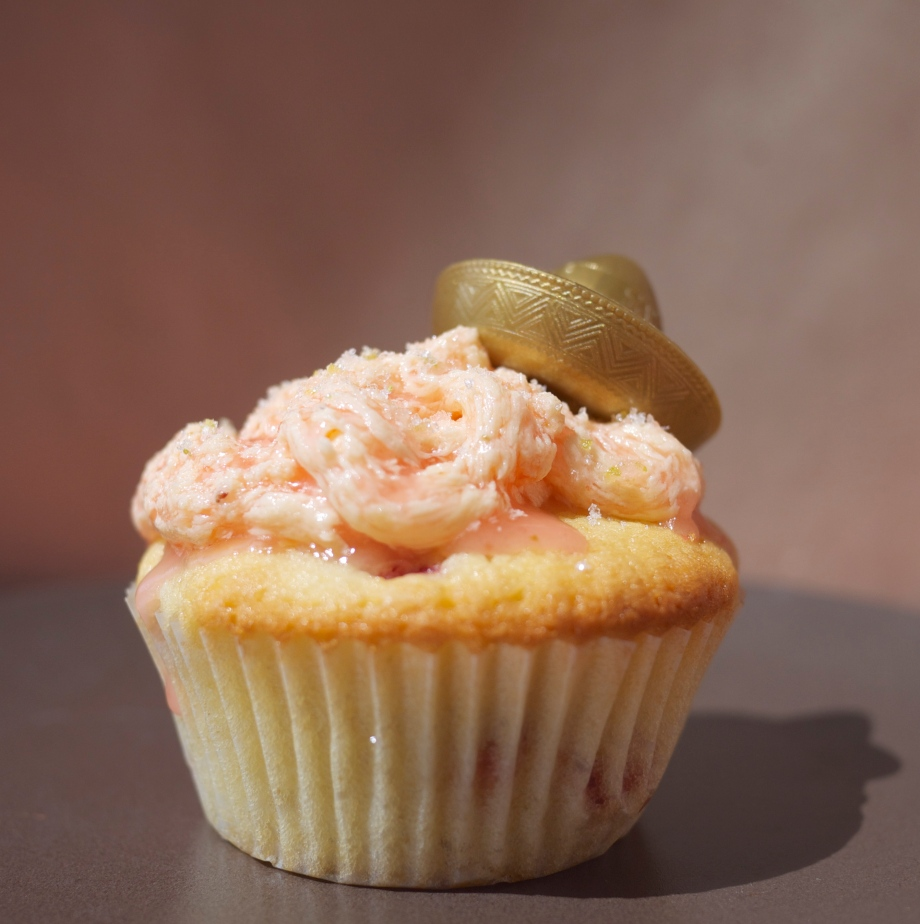 Kiwi+Peach: Strawberry Margarita Cupcake