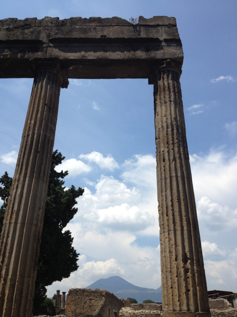 Kiwi+Peach: pompeii {wanderlust}
