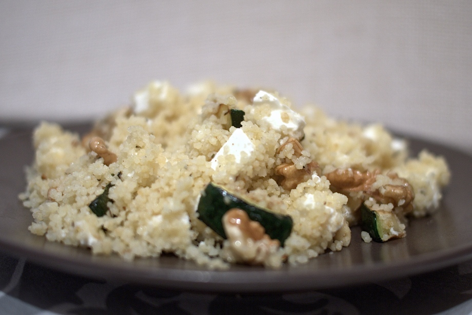 Kiwi+Peach: Greek CousCous with Zucchini