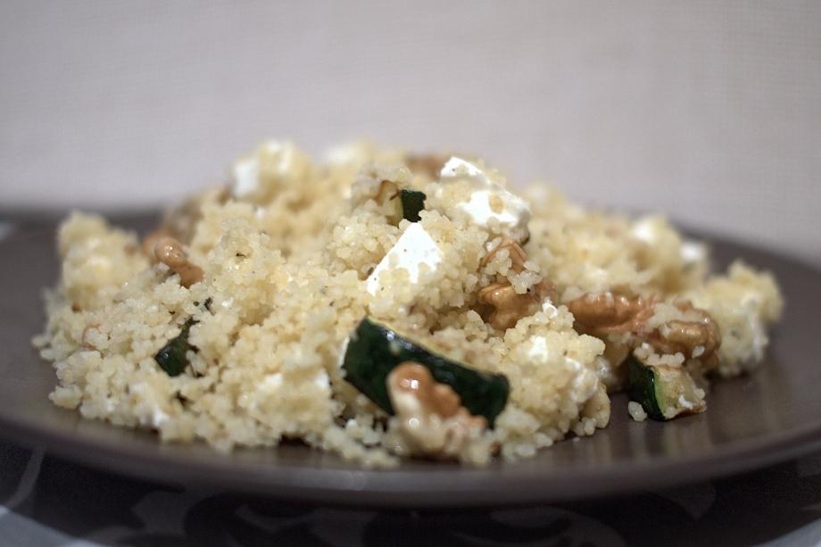 Kiwi+Peach: Greek CousCous with Zucchini