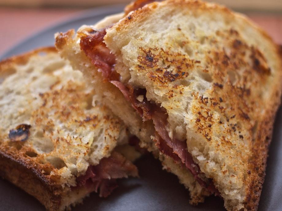 Kiwi+Peach: Bacon, Brie, and Fig Breakfast Sandwich