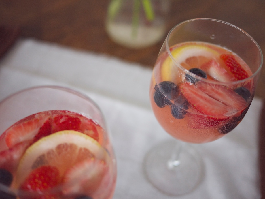 Kiwi+Peach: Summer Berry Spritz with Rosemary Simple Syrup