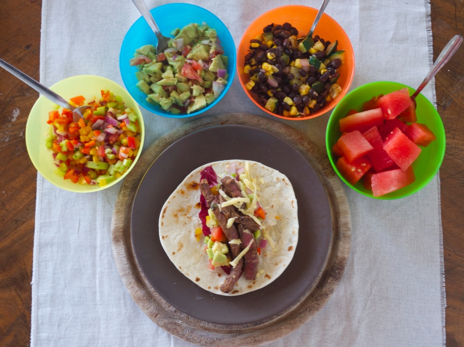 Kiwi+Peach: Carne Asada Tacos with Homemade Guacamole