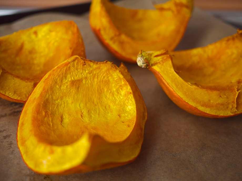 The How-To Series {DIY Pumpkin Puree}   kiwi+peach