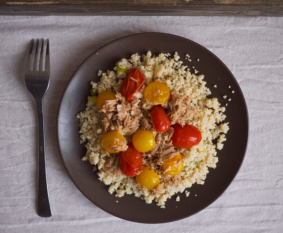 Couscous with Tuna and Tomatoes from StoneSoup | kiwi+peach