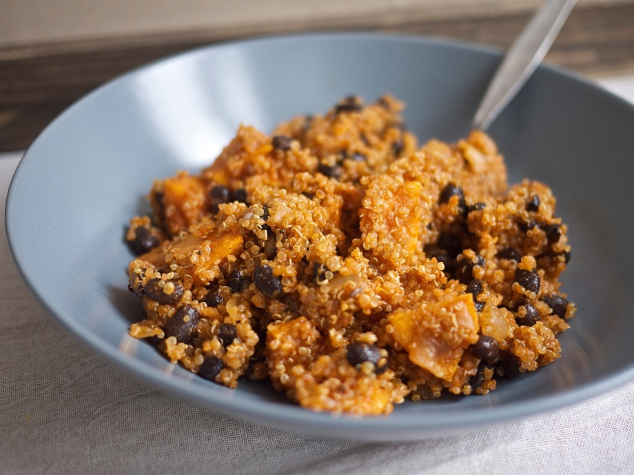 Quinoa Sweet Potato Chili from Kiwi and Peach