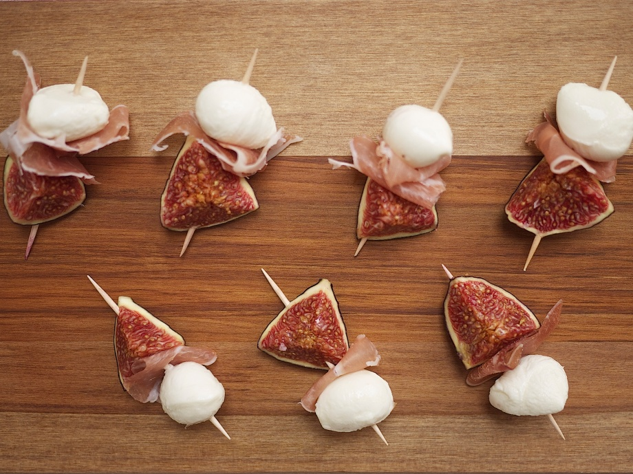 Prosciutto, Baby Mozzarella, and Fresh Fig Skewers from Kiwi and Peach