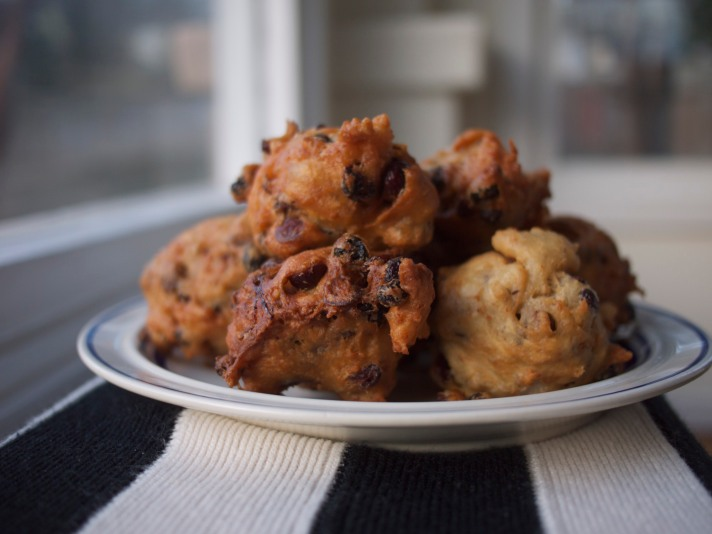 Oliebollen: A New Year Staple from Kiwi and Peach