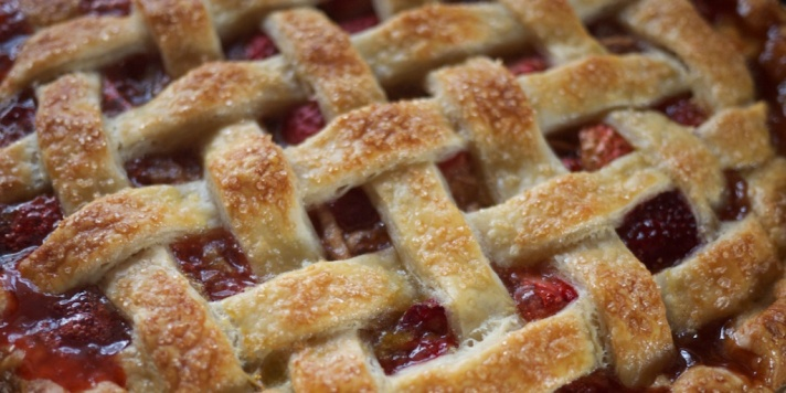 Strawberry Balsamic Pie from Kiwi and Peach
